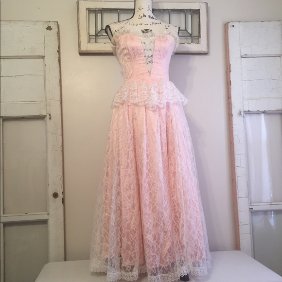 614f3cde030 Gunne Sax Dresses   Skirts - Vintage Lace Gunne Sax Dress